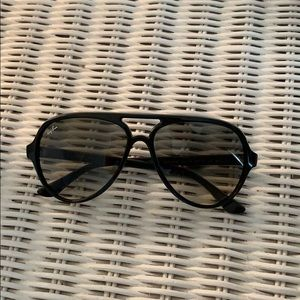 Ray-Ban 4125/Cats 5000 Classic Black Aviators